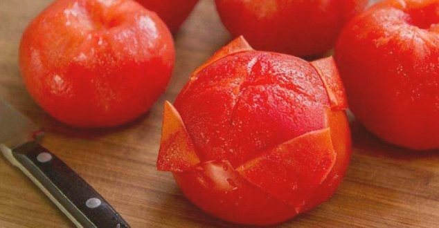 снятие шкурки с помидора.jpg