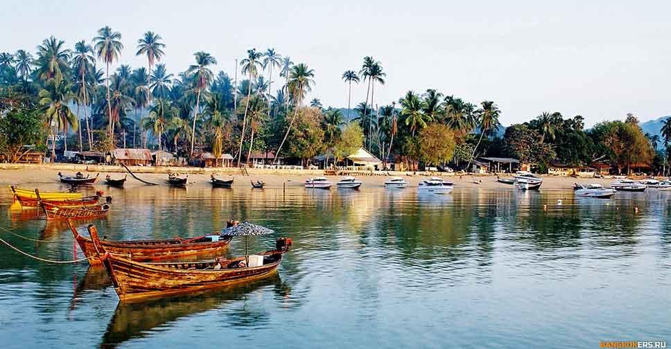 Бухта Чалонг (Chalong Bay).jpg