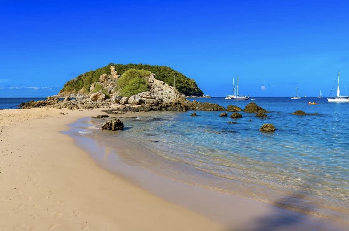 Януи (Yanui Beach).jpg
