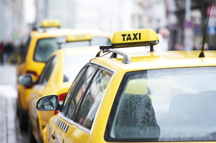 Taxi+Stockholm_Prices_Zena+na+taksi+v+Stockholme.jpg