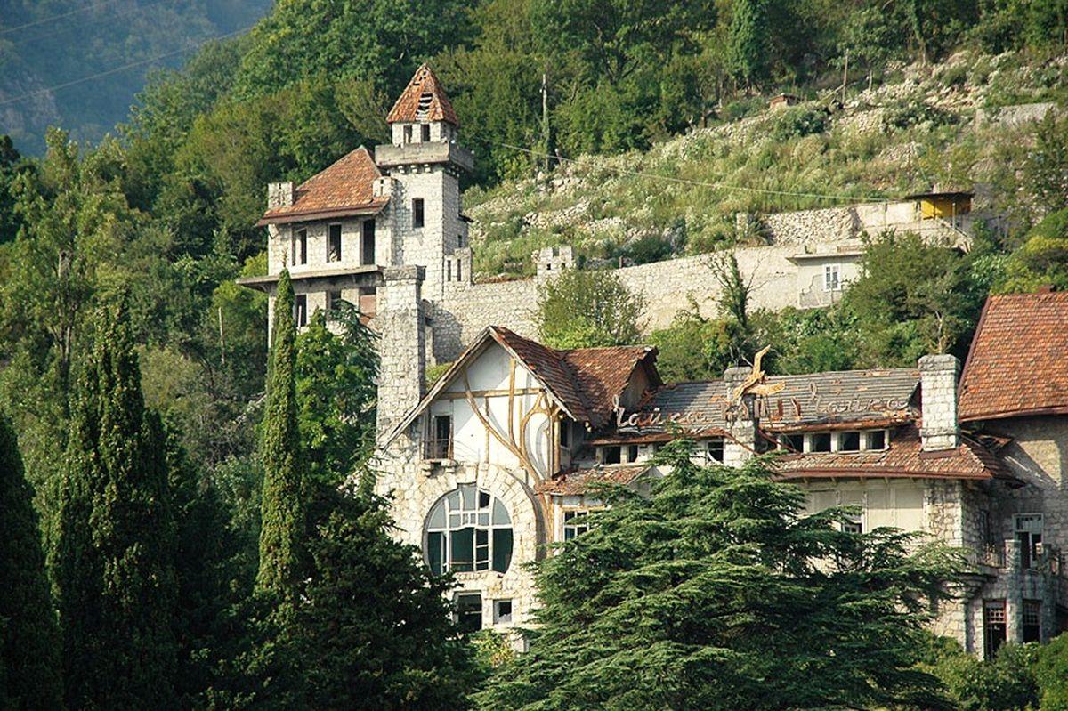 Замок-принца-Ольденбурского.jpeg